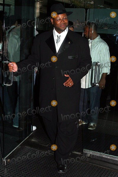 Jimmy Jam Photo - Celebrity Out and About Jimmy Jam and His Wife Lisa Padilla Is Leaving Mr Chow Restaurant at Beverly Hills CA (090104) Photo by Milan RybaGlobe Photos Inc2004 Jimmy Jam and Wife Lisa Padilla