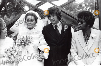 Michael Cole Photo - Michael Cole Paula Dickinson Kelly Wedding 1971 Photo by Peter Sorel--Globe Photos Inc