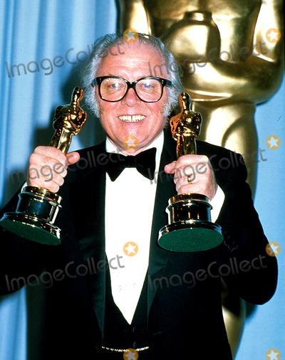 Richard Attenborough Photo - Academy Awards  Oscar 12751 Richard Attenborough Photo Bylaszlo VeresipolGlobe Photosinc