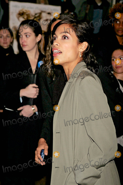 Rosario Dawson Photo - Special Preview Screening of Alexander the Walter Reade Theater New York City 11-22-2004 Photo Rick Mackler  Rangefinders  Globe Photos Inc 2004 Rosario Dawson