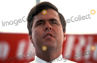Jeb Bush Photo - Bush and Quayle Rally in Jacksonville Floraida 08-02-1992 Photo James Colburn-ipol-Globe Photos Inc 1992 Jeb Bush John E Bush