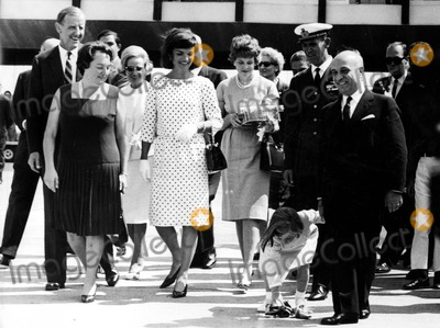 Jacqueline Kennedy Onassis Photo - Jacqueline Kennedy Onassis and Daughter Caroline 1962 2888 Ipol ArchiveipolGlobe Photos Inc Jacquelinekenndeyonassisretro