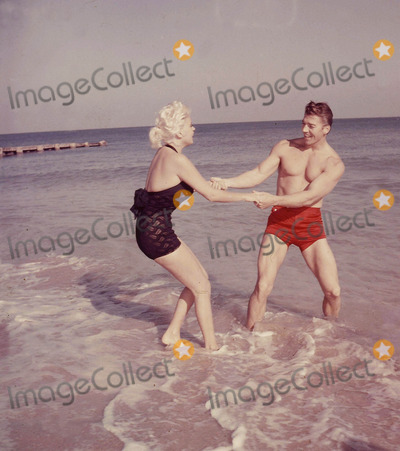 Mickey Hargitay Photo - Jayne Mansfield and Mickey Hargitay Photo by Globe Photos