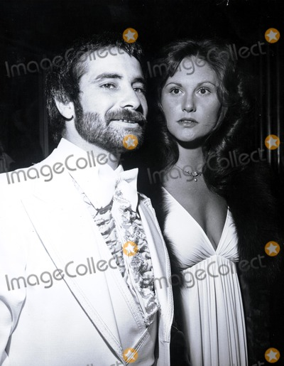 Linda Lovelace Photo - Linda Lovelace Larry Marchiano Nate CutlerGlobe Photos Inc