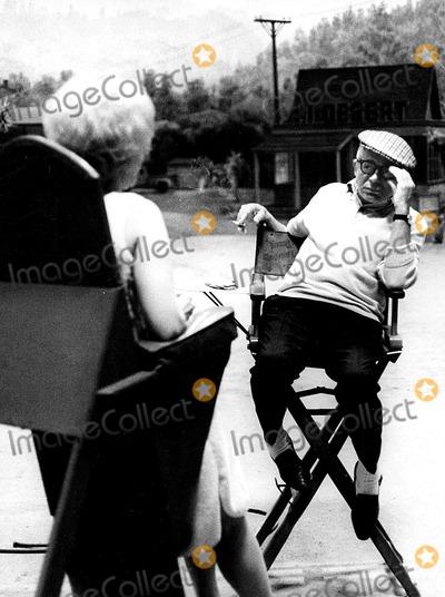 Kim Novak Photo - Kim Novak and Billy Wilder Ks20898 Win MuldrowGlobe Photos Inc