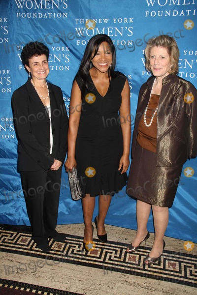 Agnes Gund Photo - Ana Loliveriagrace Hightower Agnes Gund at NY Womens Foundations Stepping Out and Stepping Upannual Gala at Gotham Hall New York City 12-01-2010 Photo by John BarrettGlobe Photos Inc2010