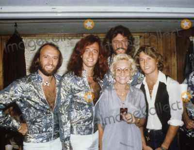 Andy Gibb Photo - Andy Gibb with Family 1979 Photo by Bob Sherman-Globe Photos Inc