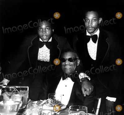 Ray Charles Photo - Raycharlesretro Ray Charles and Sons (lr) David and Ray Jr Globe Photosinc