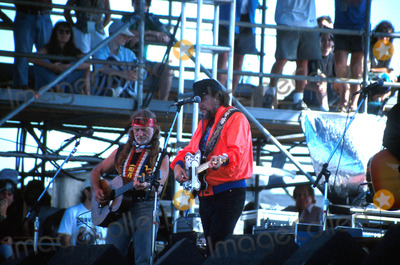 Waylon Jennings Photo -  82592 the Paul Simon Concert in Central Park NYC Willie Nelson with Waylon Jennings Photo by John BarrettGlobe Photos Inc