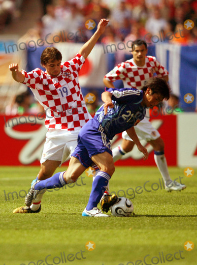 Akira Kaji Photo - Kiko Kranjcar  Akira Kaji Challenge Japan V Croatia Kiko Kranjcar  Akira Kaji Japan V Croatia World Cup Soccer 06-18-2006 Photo by Allstar-Globe Photos