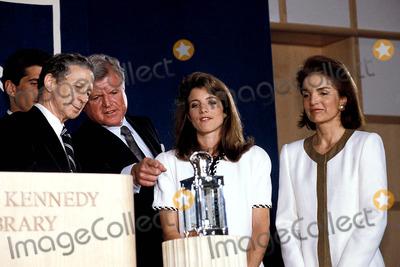 Jackie Onassis Photo - Profile in Courage Award Ceremony at the Jfk Library Boston Mass Jacqueline Kennedy Onassis Photobruce Allen  Ipol  Globe Photos Inc Jacquelinekenndeyonassisretro