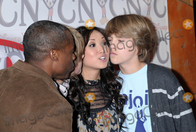 Wallpaper and background images in the the sprouse brothers club tagged: cole dylan sprouse brenda song