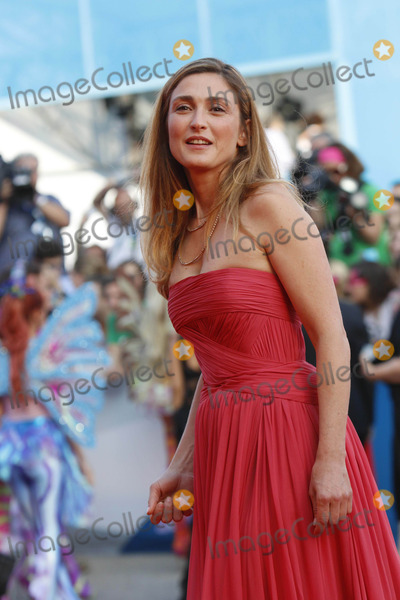 Julie Gayet Photo - Actress Julie Gayet attends the Premiere of Birdman and Opening Ceremony of the 71st Venice International Film Festival Aka Mostra Internazionale Darte Cinematografica at Palazzo Del Cinema on the Lido in Venice Italy on 27 August 2014 Photo Alec Michael