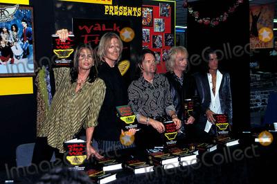 Aerosmith Photo - Aerosmith Photo Georgemichelson  Globe Photos Inc