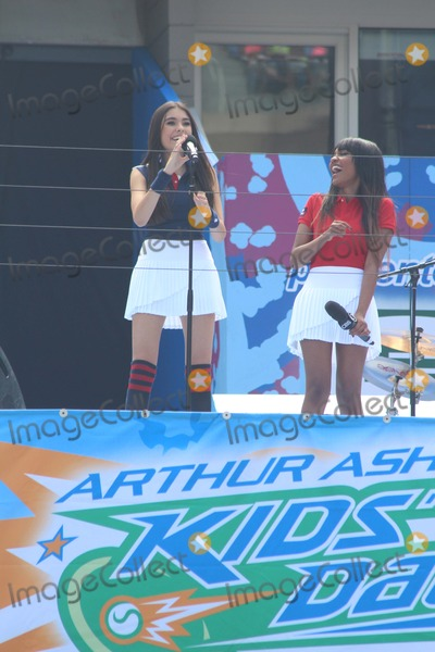 China McClain Photo - L-r Madison Beer China Mcclain Attend 2014 Arthur Ashe Kids Day at Usta Billie Jean King National Tennis Center on 8232014 in Flushing