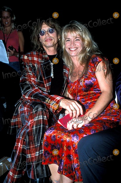 Aerosmith Photo - Betsey Johnson Playboy Bunnies Spring 2001 Fashion Show Bryant Park New York City Steven Tyler and Wife (Aerosmith) Photo Sara Jaye  Ipol  Globe Photos Inc 919