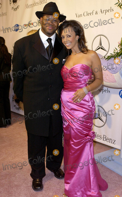 Jimmy Jam Photo - Mercedes-benz Presents the 16th Carousel of Hope - Arrivals at the Beverly Hilton Beverly Hills California 102304 Photo by Valerie GoodloeGlobe Photos Inc 2004 Jimmy Jam and Wife