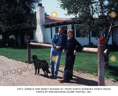 Ronald Reagan Photo - Ronald and Nancy Regan at Thier Santa Barbara Ranch House Photo by Ron MesarosGlobe Photos Inc