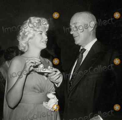 Alec Guinness Photo - Barbara Nichols Alec Guinness Photo Nate CutlerGlobe Photos Inc