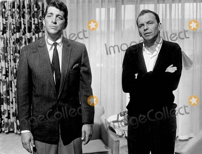 Dean Martin Photo - Frank Sinatra with Dean Martin in oceans Eleven 1960 Supplied by Smp-Globe Photos Inc Tv-film Still