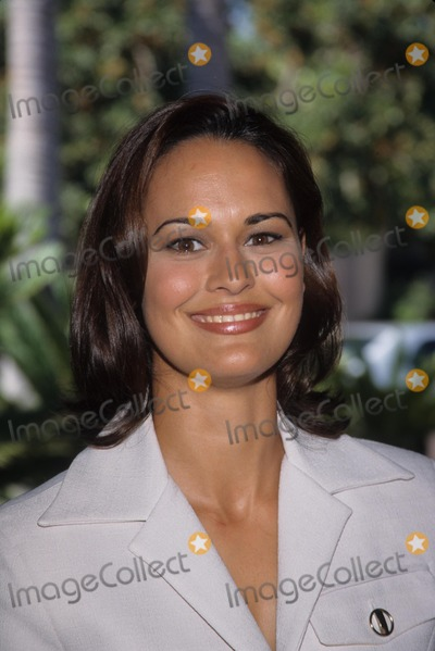 Sydney Penny Photo - Sydney Penny at Wb Summer Press Tour in Pasadena Ca 1998 K12825fb Photo by Fitzroy Barrett-Globe Photos Inc
