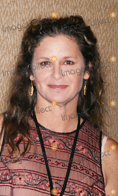 Stephanie Zimbalist Photo - Sd925 Christopher Reeve Paralysis Foundation a Magical Event to Benefit the Christopher Reeve Fondation at the Mariott Marquis New York City Photo John Barrett Globe Photos Inc 2002 Stephanie Zimbalist