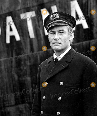 Peter O Toole Photo - Peter Otoole in a Scene From Lord Jim 1965 Supplied by Globe Photos Inc Peterotooleretro