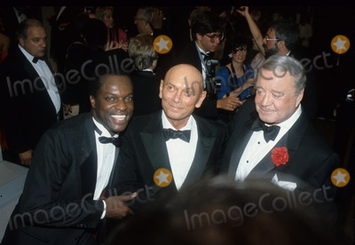 Yul Brynner Photo - Yul Brynner with Jackie Gleason 1985 F1075 Photo by John Barrett-Globe Photos Inc