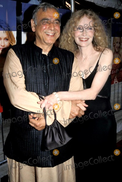 Mia Farrow Photo - Ismail Merchant and Mia Farrow K32149psc Le Divorce Premiere at the Paris Theatre in New York City 852003 Photo Bypaul SchmulbachGlobe Photos Inc