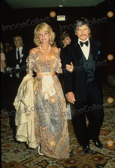 Jill Ireland Photo - Charles Bronson Jill Ireland 1982 E6143 Supplied by Globe Photos Inc