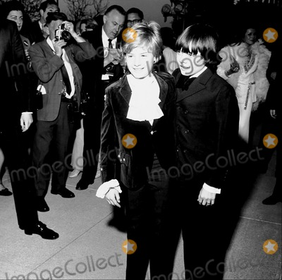 Jack Wild Photo - 41st Oscars Jackie Wilde (Oliver Twist)  Mark Lesten (Artful Dodger) Supplied by Globe Photos Inc