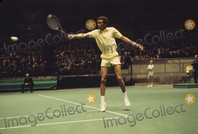 Arthur Ash Photo - Arthur Ashe W9235 Supplied by Globe Photos Inc
