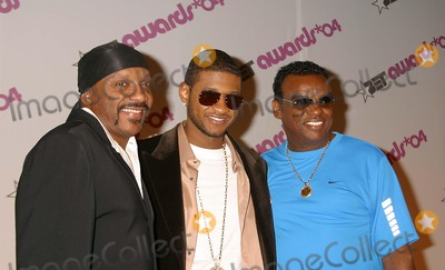 Ernie Isley Photo - Bet Awards 2004 Nominees at the Hollywood Renaissance Hotel Hollywood CA 051204 Photo by Clinton HwallaceipolGlobe Photos Inc2004 Usher and the Isley Brothers - Ronald and Ernie Isley