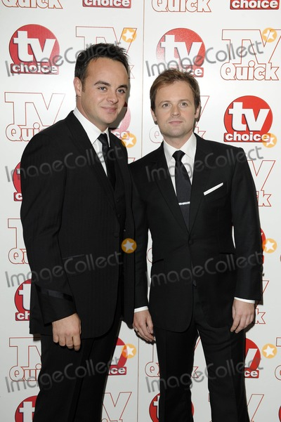 Anthony McPartlin Photo - Anthony Mcpartlin  Declan Donnelly - Ant  Dec Tv Presenters 2009 Tv Quick and Tv Choice Awards at Dorchester Hotel in Park Lane  London  England 09-07-2009 Photo by Neil Tingle-allstar-Globe Photos Inc