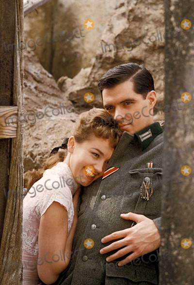 John Gavin Photo - X8469 John Gavin Photo Bydon Ornitz-Globe Photos Inc