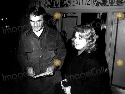Burt Reynolds Photo - Burt Reynolds and Bernadette Peters Ny502 1974 Globe Photos Inc