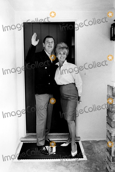 Gig Young Photo - Gig Young and Wife Elaine at Their Home in Beverly Hills CA Photo ByGlobe Photos Inc