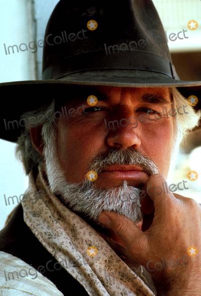 Kenny Rogers Photo - Kenny Rogers Photo ByGlobe Photos Inc 1985 Kennyrogersretro
