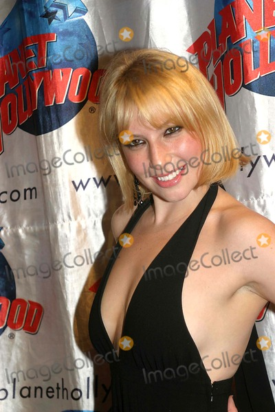 Ari Graynor Photo - Opening Night Party For the Little Dog Laughed at Planet Hollywood Times Square in New York City 11-13-2006 Photo by Barry Talesnick-ipol-Globe Phtos Inc 2006 Ari Graynor