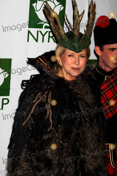 Bette Midler Photo - Martha Stewart at Bette Midlers Annual Hulaween Gala Supporting NY Restoration Project at Waldorf Astoria NYC 10-30-09 Photos by John Barrett-Globe Photosinc2009