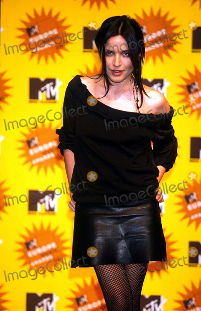 Andrea Corr Photo -  11801 the Mtv Europe Music Awards 2001 Andrea Corr Photo by Roger HarveyGlobe Photos Inc