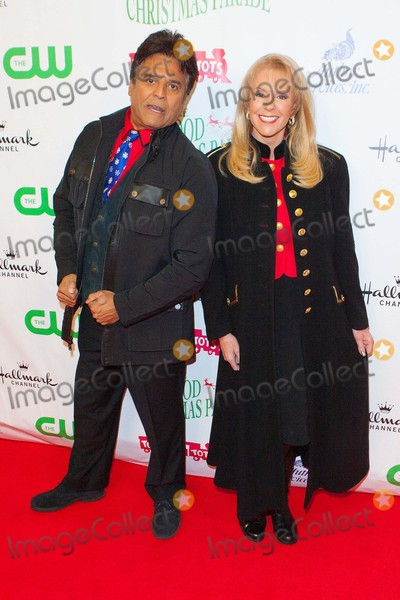 Laura McKenzie Photo - Erik Estrada Laura Mckenzie Attend the Hollywood Christmas Parade on November 29th 2015 on Hollywood Boulevard in Hollywoodcaliforniaphototony LoweGlobephotos