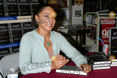 Afeni Shakur Photo - Jasmine Guy Signs Her New Book Afeni Shakur Evolution of a Revolutionary Waldenbooks Baldwin Hills CA (051504) Photo by Milan RybaGlobe Photos Inc2004 Jasmine Guy