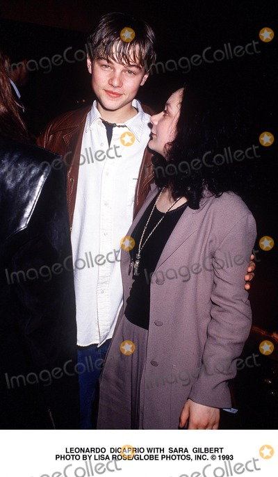 Leo DiCaprio Photo - Leonardo Dicaprio with Sara Gilbert Photo by Lisa RoseGlobe Photos Inc
