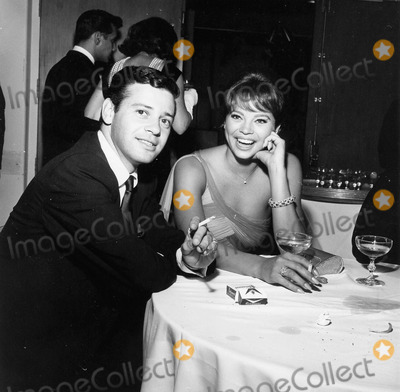 Juliet Prowse Photo - Juliet Prowse with Marvin Moss Supplied by Globe Photos incchip Off the Old blacka664-23a