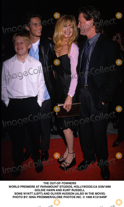 Goldie Photo - 032999 the Out-of-towners World Premiere at Paramount Studios Hollywood CA Goldie Hawn and Kurt Russell Sons Wyatt (Left) and Oliver Hudson (Also in the Movie Photo by Nina PrommerGlobe Photos Inc