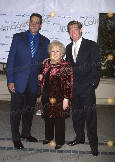 Kent Shocknek Photo -  Wish Night 2001 Gala Event Four Season Hotel Beverly Hills CA 10112001 Doris Robertsbrad Garrett and Kent Shocknek Photo by Milan RybaGlobe Photosinc