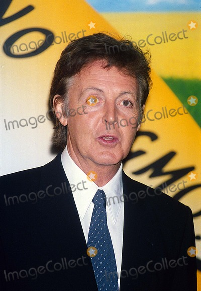 Linda Mccartney Photo - Paul Mccartney Anouncing That Linda Mccartney Foods Will No Longer Be Made with Gmo Ingredients 6-10-1999 Uiw 16246-a13 Photo by Uppa-ipol-Globe Photos Inc