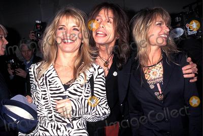 Aerosmith Photo - Sd1026 Versus Spring  Summer Style 97 Steven Tyler (From Aerosmith) Photorose Hartman  Globe Photos Inc