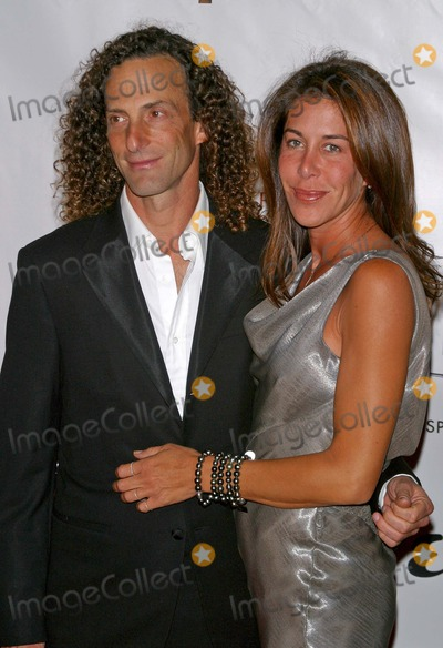 Kenny G Photo - Clive Davis Ama After Party at Esquire House in Beverly Hills California 111404 Photo by Milan RybaGlobe Photos Inc 2004 Kenny G
